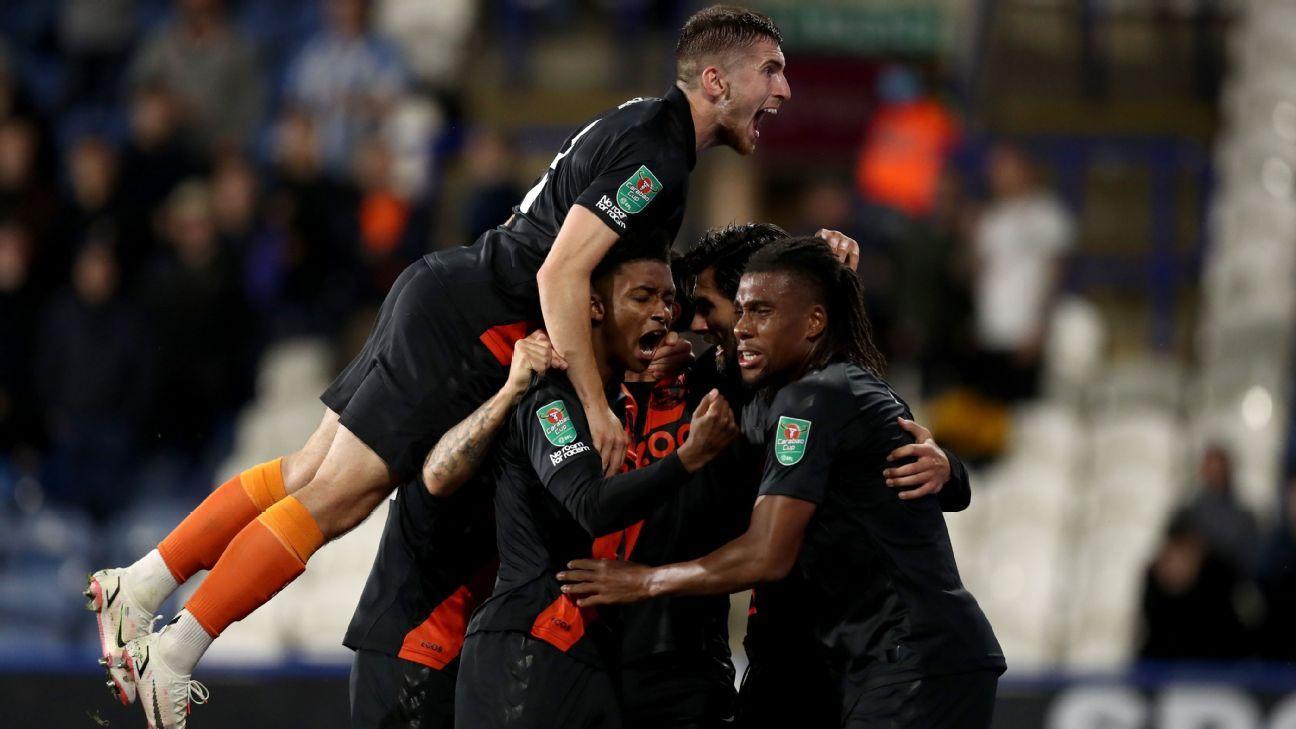 Yerry Mina fue suplente en el debut con triunfo de Everton por la Copa de la Liga