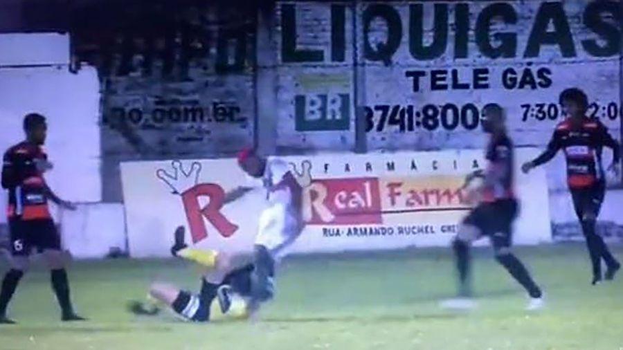 Detenido y acusado de intento de homicidio un jugador que agredió a árbitro en Brasil