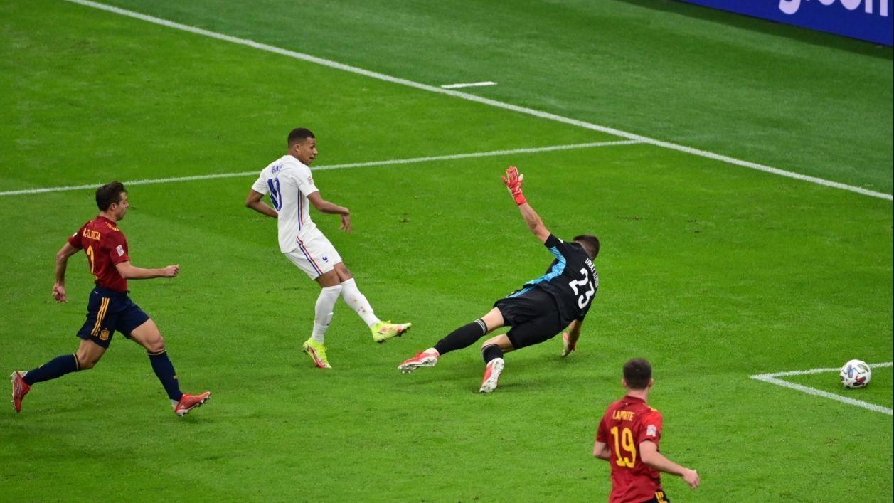 La prensa española clama contra el gol de Mbappe y en Francia duda de su validez