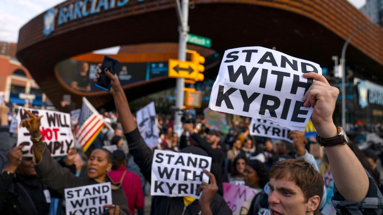 Group protesting vaccine mandate shows Kyrie Irving support ahead of Brooklyn Nets' home opener