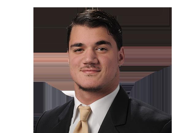 https://a.espncdn.com/i/headshots/college-football/players/full/3932510.png