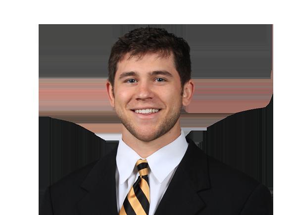 https://a.espncdn.com/i/headshots/college-football/players/full/4037221.png
