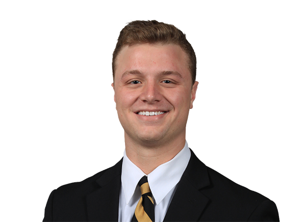 https://a.espncdn.com/i/headshots/college-football/players/full/4240416.png