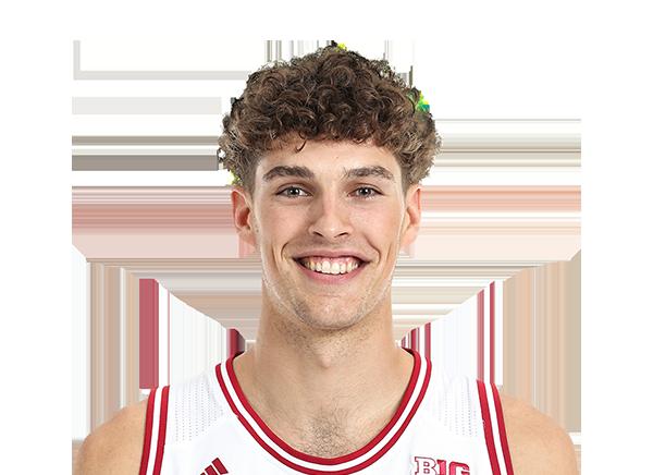 https://a.espncdn.com/i/headshots/mens-college-basketball/players/full/3146558.png