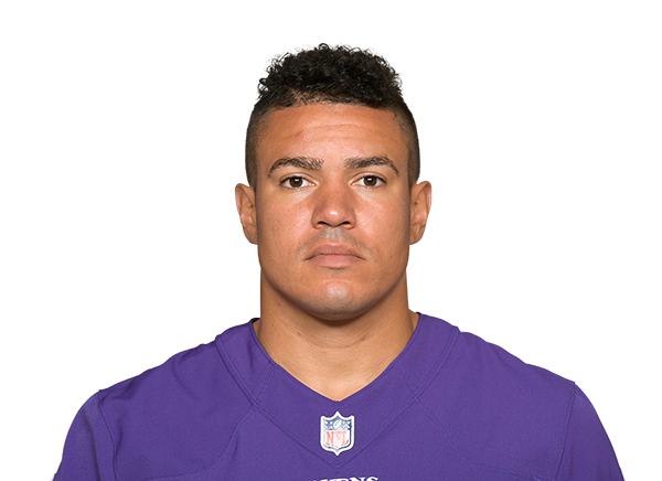https://a.espncdn.com/i/headshots/nfl/players/full/15264.png
