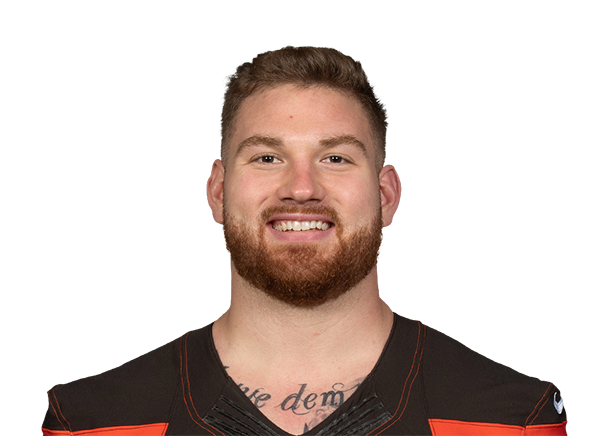 https://a.espncdn.com/i/headshots/nfl/players/full/2977624.png