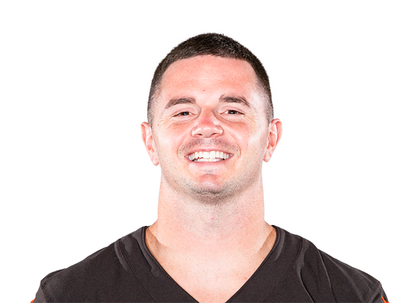 https://a.espncdn.com/i/headshots/nfl/players/full/3039725.png