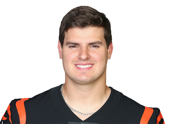https://a.espncdn.com/i/headshots/nfl/players/full/3052743.png