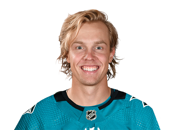 https://a.espncdn.com/i/headshots/nhl/players/full/3070196.png