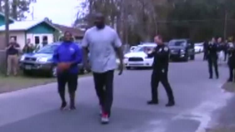 Shaq visits Gainesville to play ball with kids