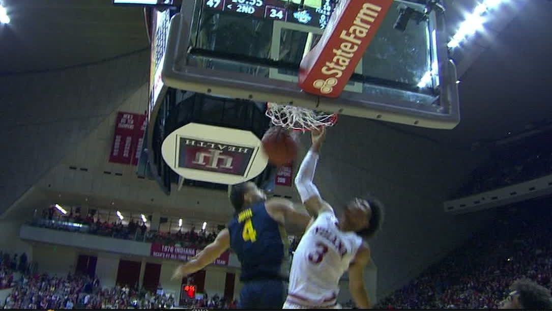 Smith hammers down dunk
