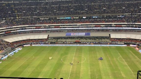 Week-by-week view of Estadio Azteca turf