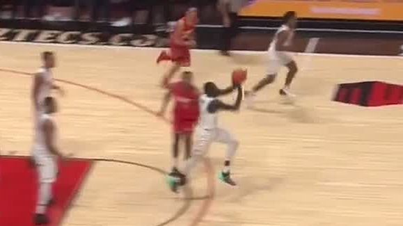 San Diego State's Arop drains 3-quarter court shot to beat buzzer