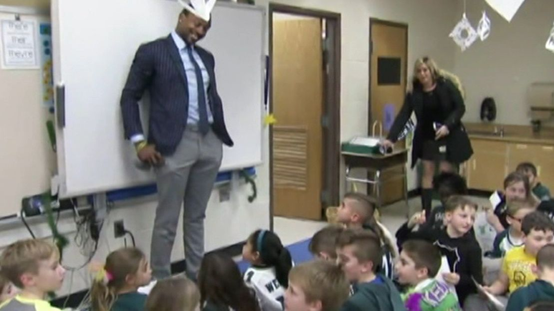 Jeffery surprises 2nd graders in Westchester, PA