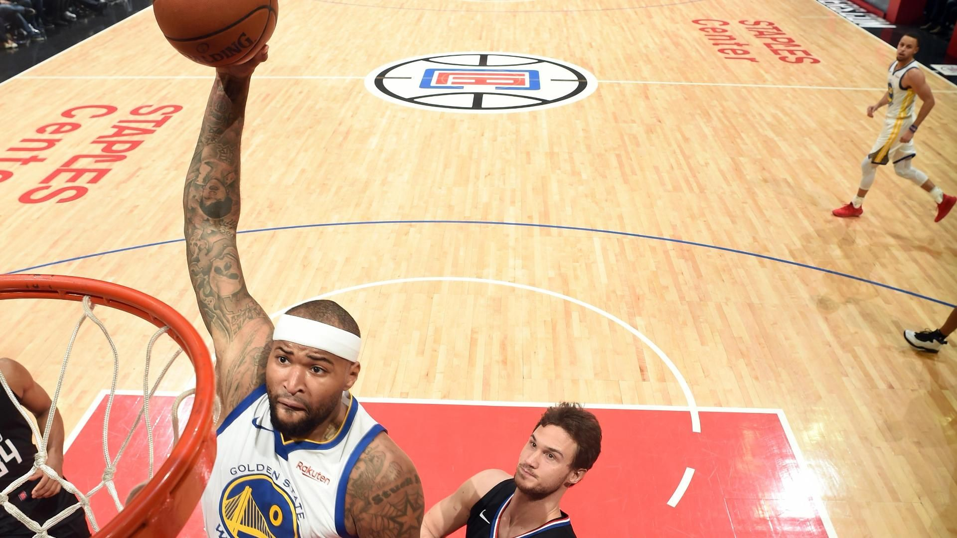 Cousins hammers dunk for 1st points with Warriors