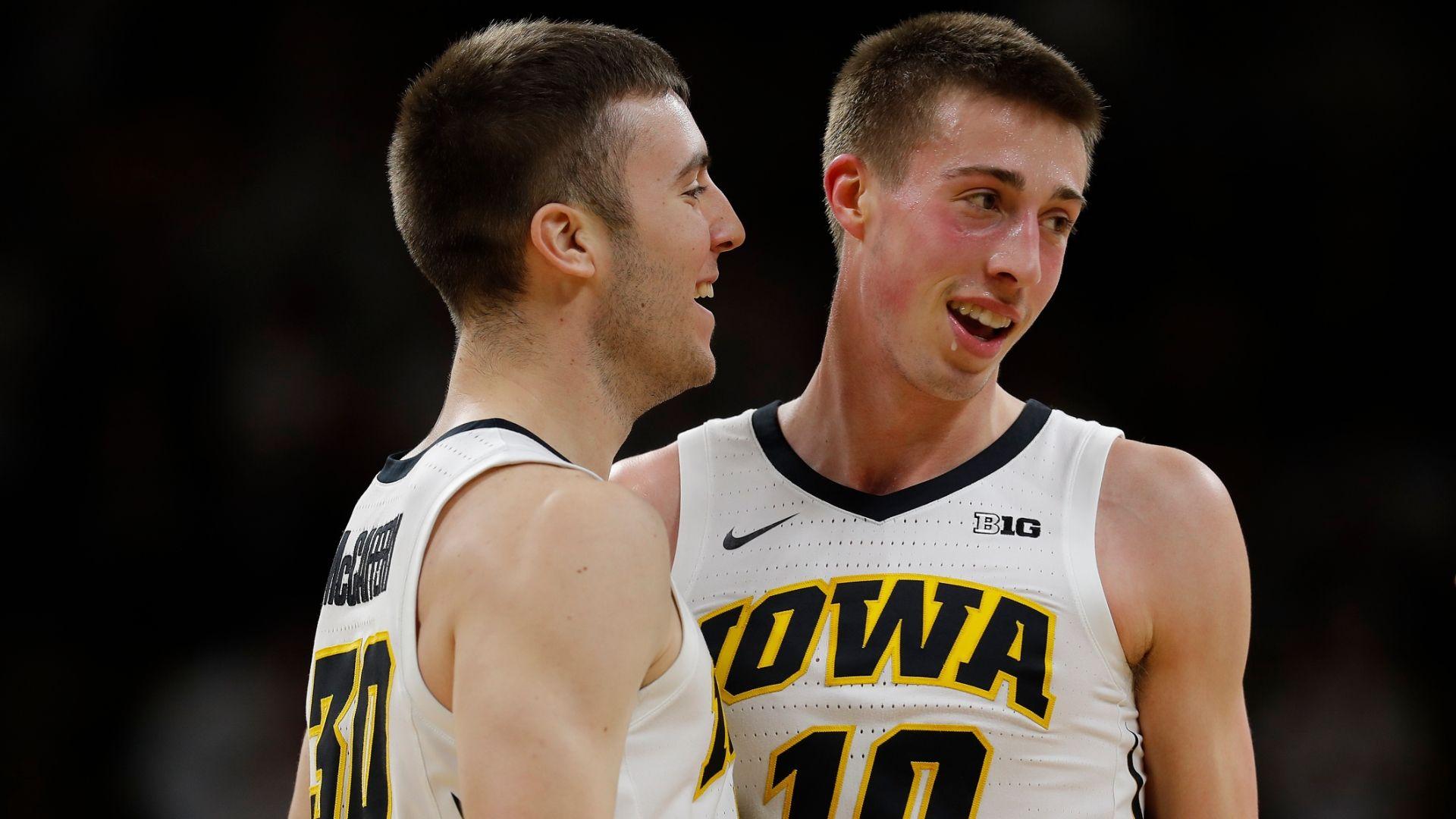 Wieskamp scores 24, No. 23 Iowa routs Illinois 95-71