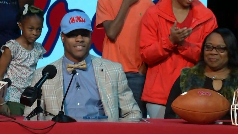 No. 3 RB Ealy commits to Ole Miss