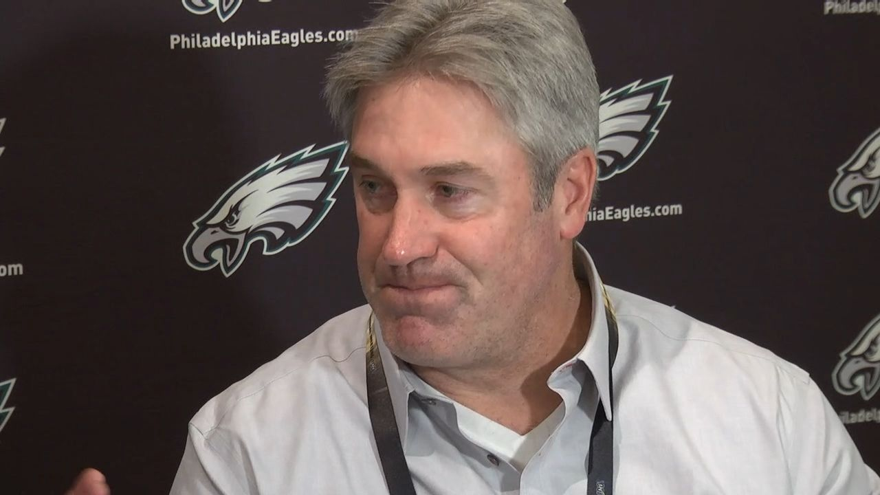 Pederson: Wentz can be more accessible to his teammates