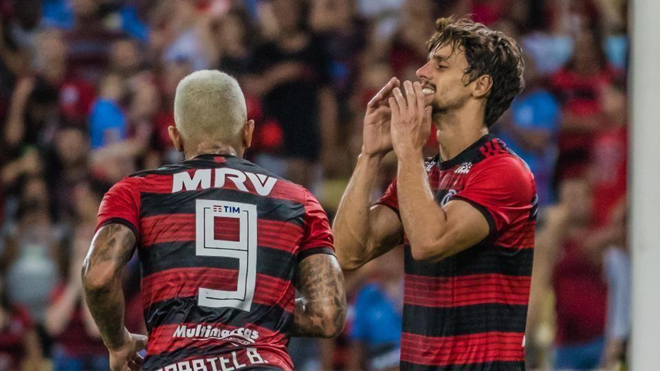 Gabigol brinca com Rodrigo Caio: 'Está feliz ou triste? Em São Paulo, deu ruim'