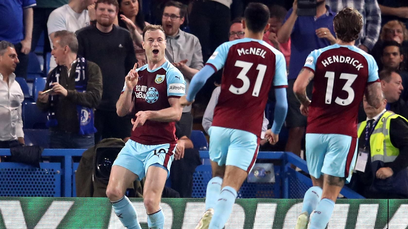 Unmarked Barnes equalizes for Burnley