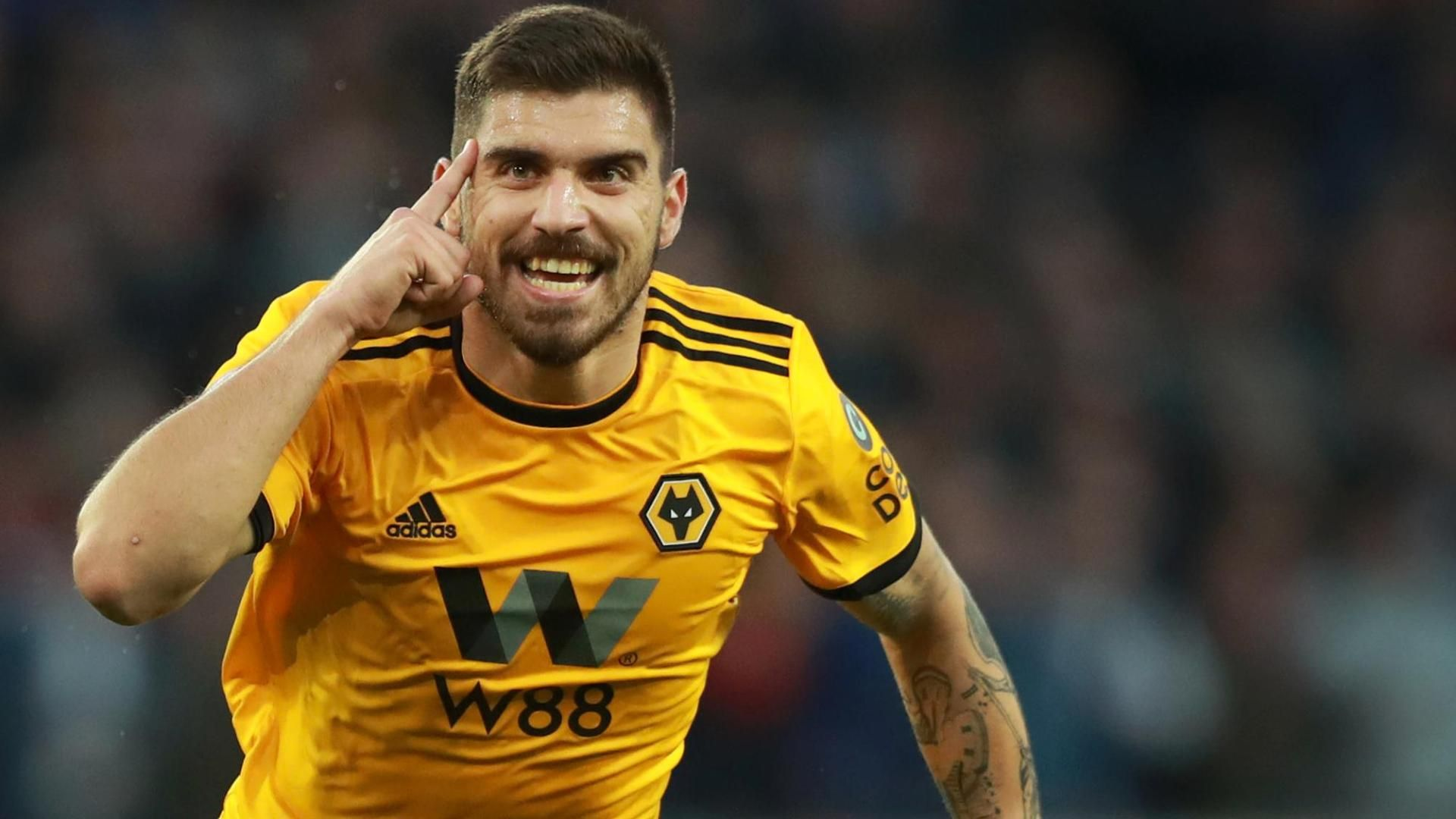 Neves bends in a beauty to put Wolves in front