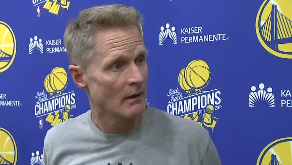 Kerr asks for music to be turned down, Draymond turns it up