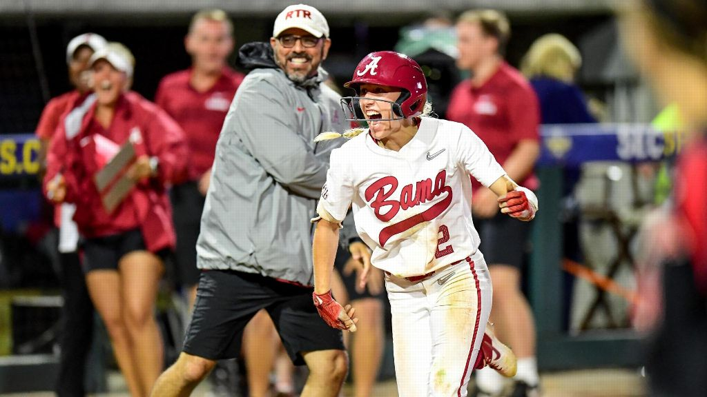 Wallace's walk-off blast sends Bama to semifinals