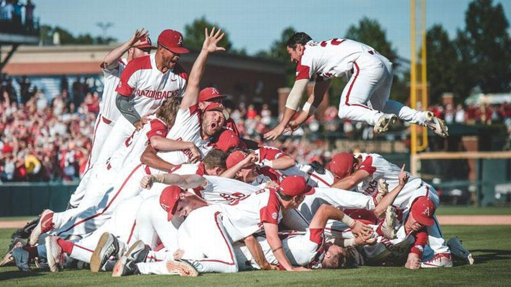 Arkansas clinches spot in CWS