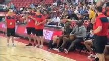 Zion sinks 3 from Pelicans' bench