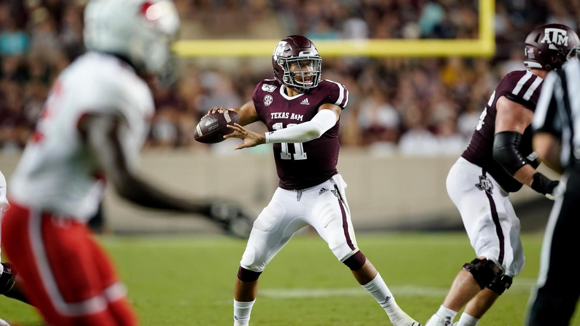 Mond musters up 317 yards in Aggies' dominant win