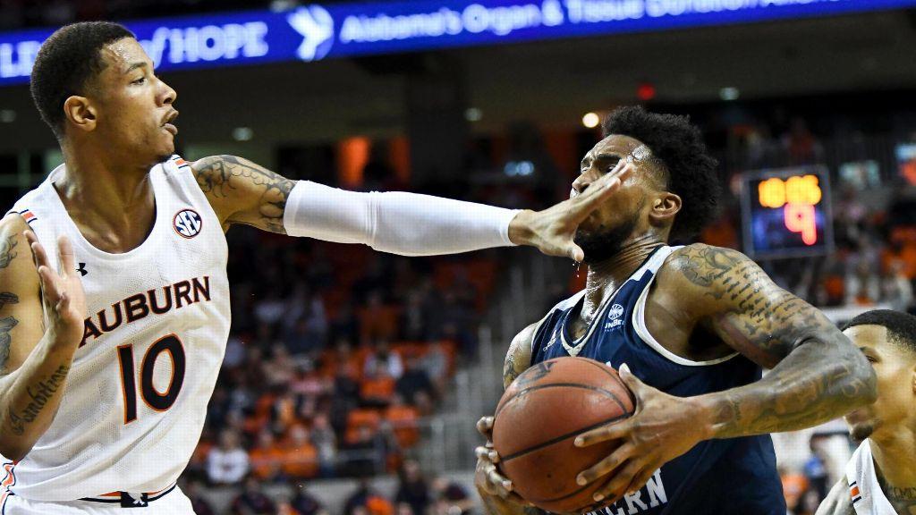 Auburn kicks the season off with Georgia Southern win