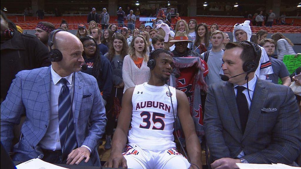Cambridge discusses career night against South Carolina