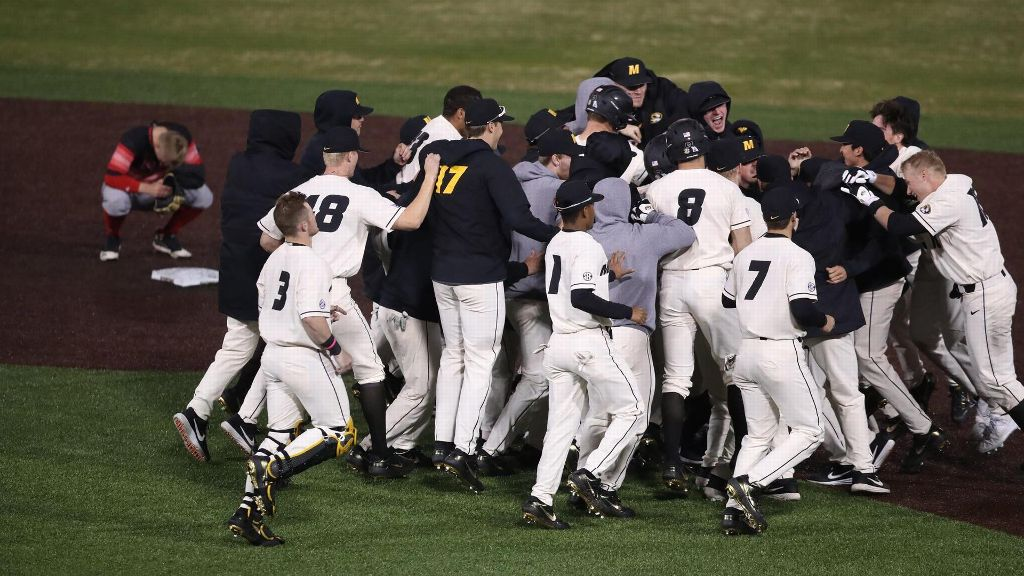 Mizzou walks off NIU in 12th inning