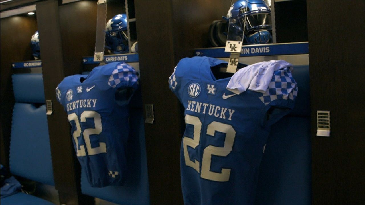 Kentucky teammates find a way to honor Oats