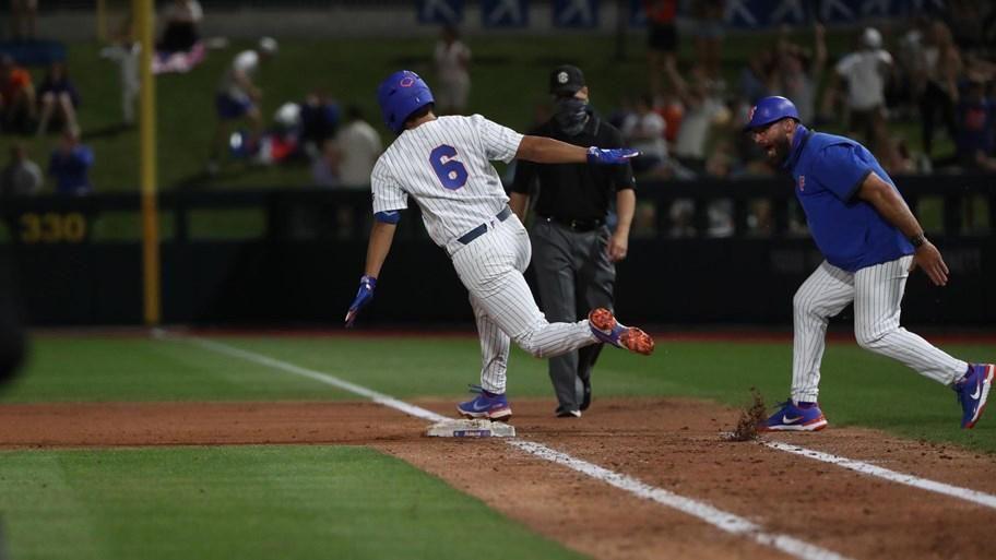 Calilao's walk-off homer seals Florida win over FSU