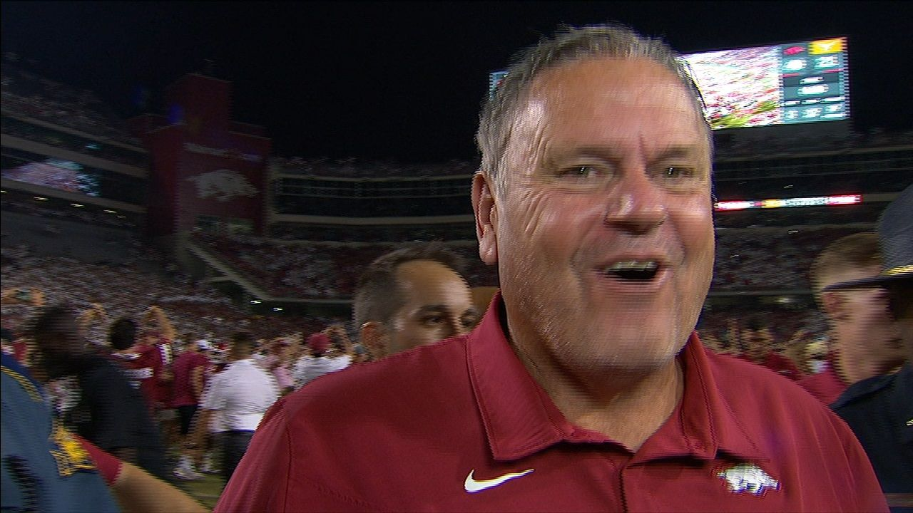 Pittman says his Hogs 'played their tails off'