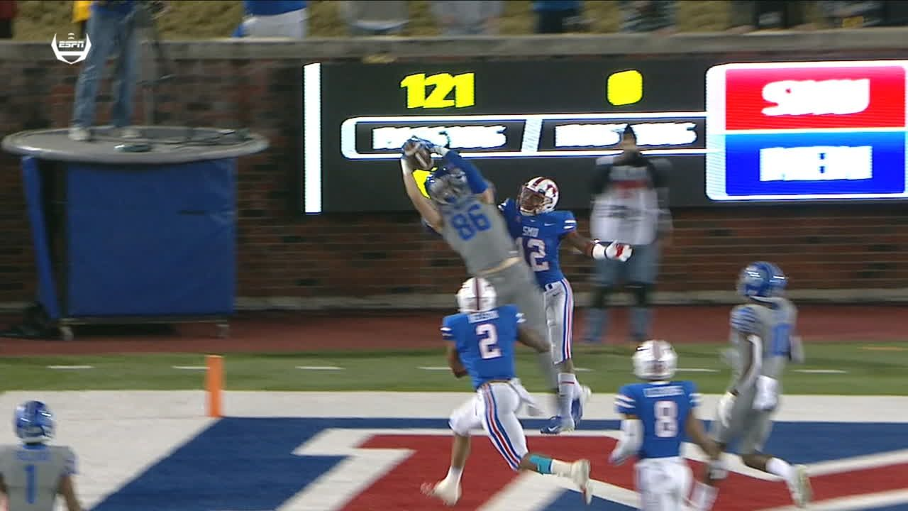 Magnifico hauls in magnificent 16-yard TD catch
