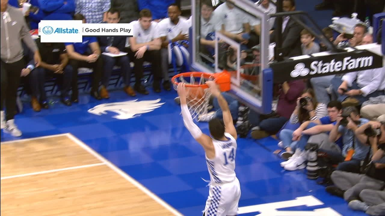 Kentucky's Herro steals it then jams it on breakaway