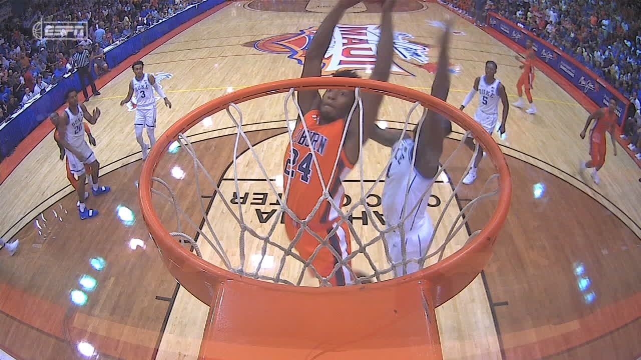 Auburn kicks things off with dunk, steal and score