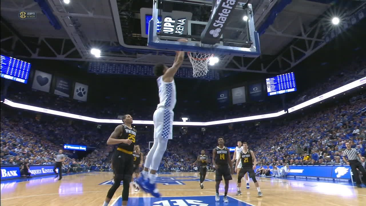 Montgomery flushes fast-break alley-oop for Kentucky