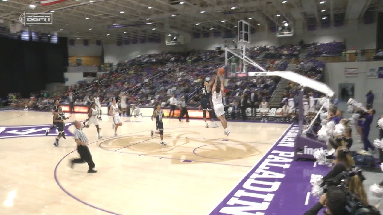 Brown takes cross-court pass for slam