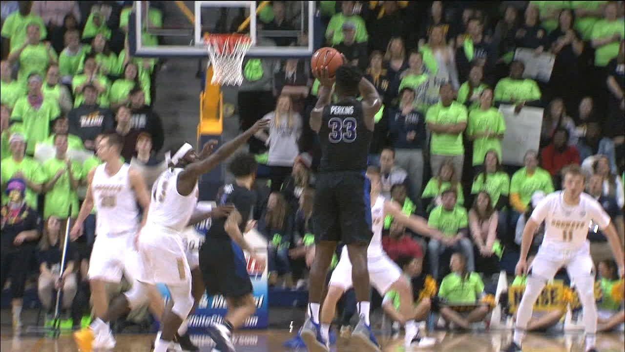 Perkins nails a big 3 to beat the shot clock