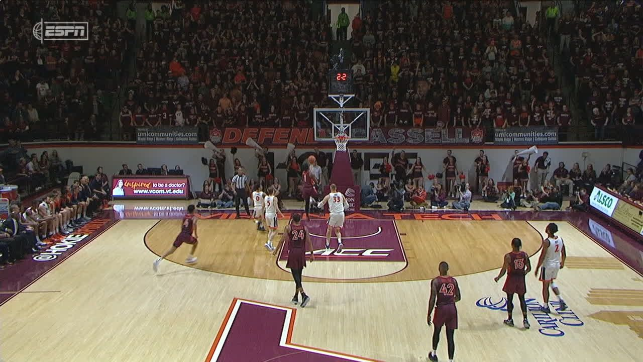 Wilkins connects on crafty lay-in before half