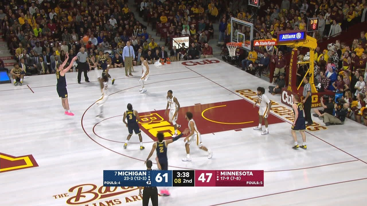Teske seals the game with back-to-back 3s