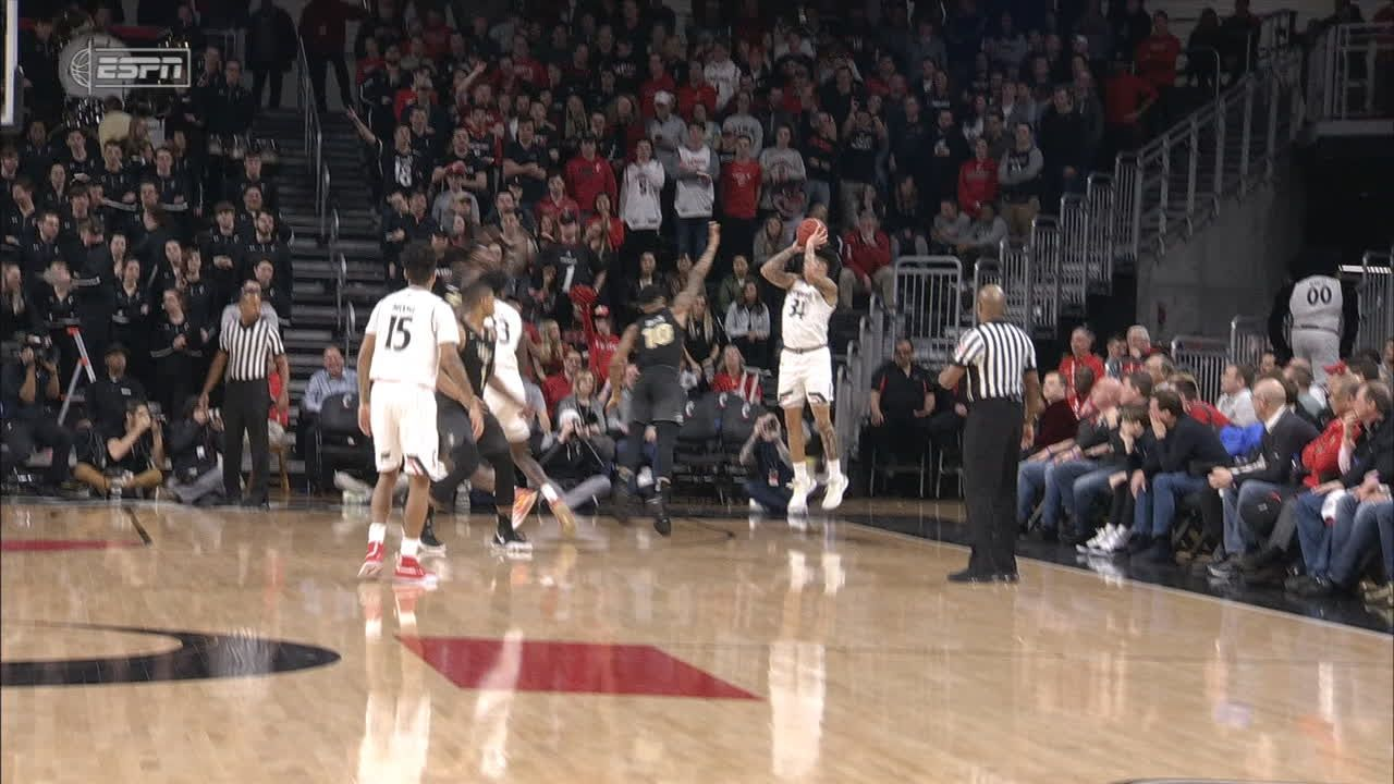 Cumberland drains corner 3-pointer