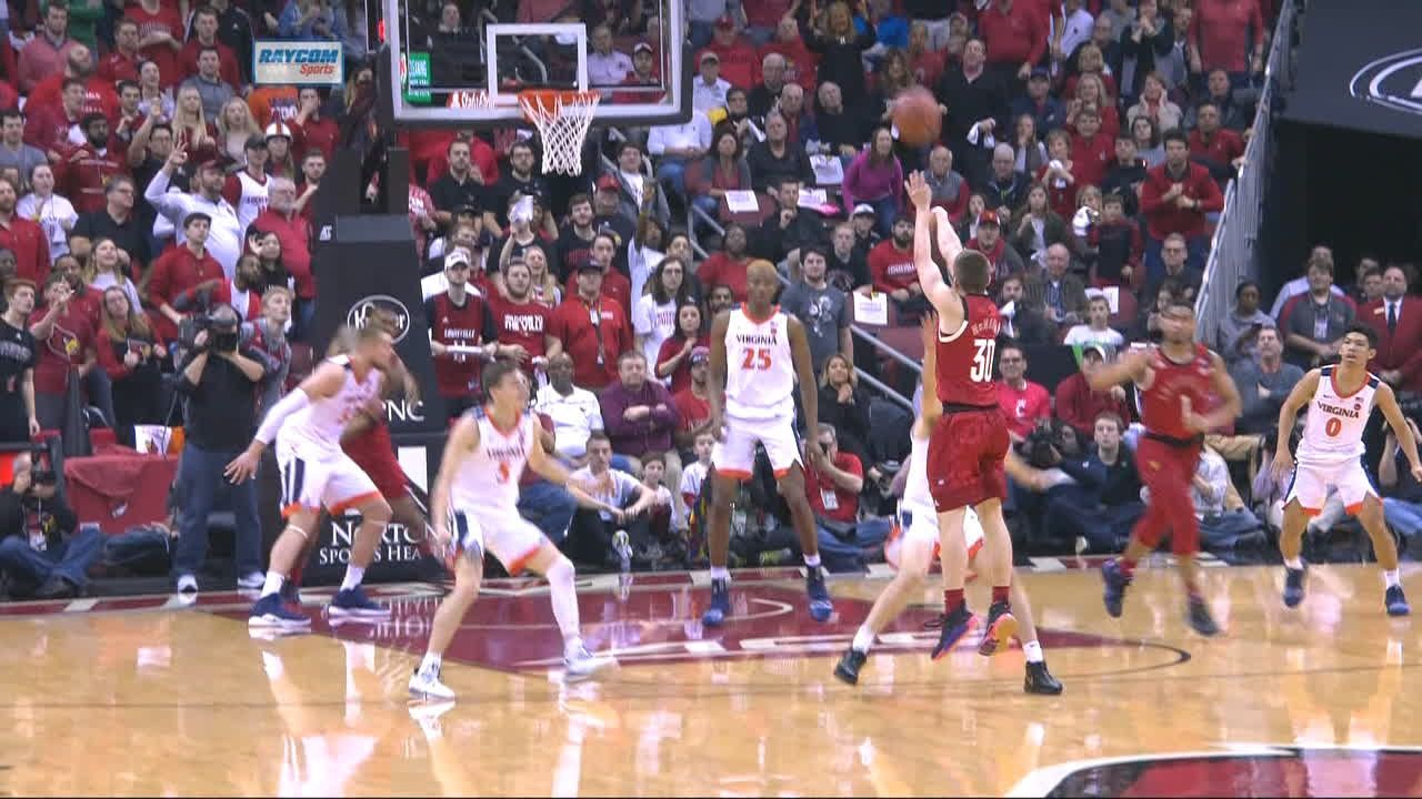 McMahon electrifies crowd with back-to-back 3s