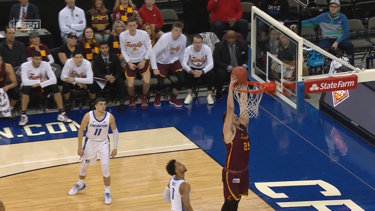 Krutwig slams one home after nice pass from Townes