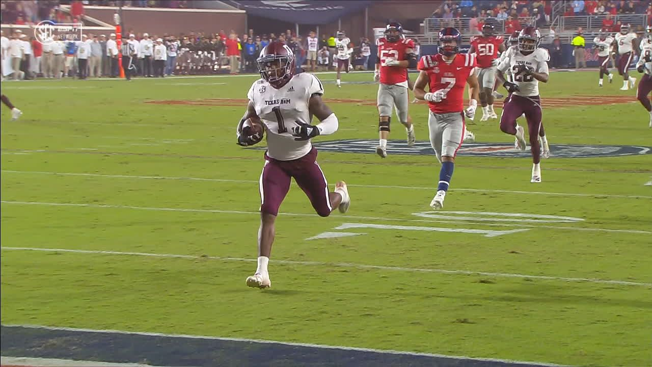 Texas A&M retakes lead on scoop-and-score