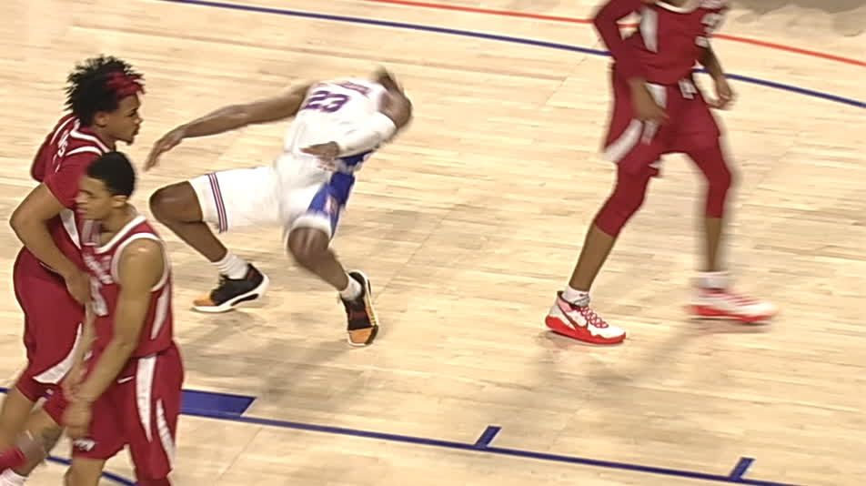 Florida's Lewis springs up like The Rock after layup