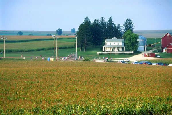Man gets probation for 'Field of Dreams' site vandalism